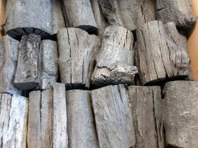 木炭 国産 大分樫炭(かし炭) 切炭7.5cm5kg 七輪の炭火焼きにお薦め