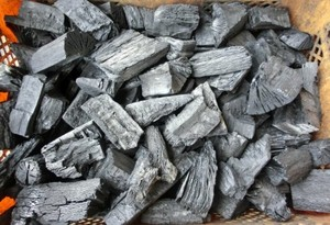 木炭 炭 大分の椚(くぬぎ)荒炭(5-10cm)10kg箱入り 大分県産