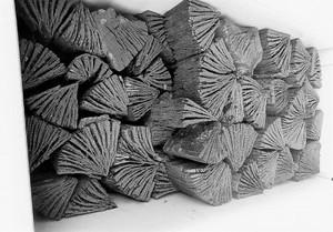 ONグループ 木炭 自社製 大分椚炭(くぬぎ炭)切炭6-6.5cm10kg 大分県産