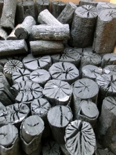 自社製 お茶炭 大分のカシ炭(樫炭)丸切炭7.5cm(大中小)5kg 径2-7cm お稽古用