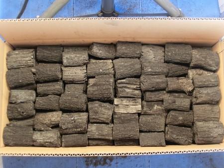 木炭 炭 大分椚炭(くぬぎ炭)切炭6-6.5cm10kg 大分県産
