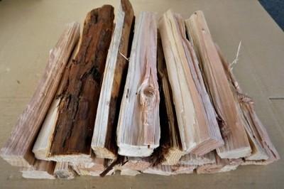大分の薪 杉(スギ)直径 3-10cm長さ 約30cm 3kg スギの薪 乾燥薪