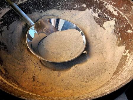 全国送料無料 茶道 茶道具 炉灰(上) あくぬき 30メッシュ(約0.84mm)5㎏